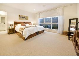 Bedroom 3-994.jpg