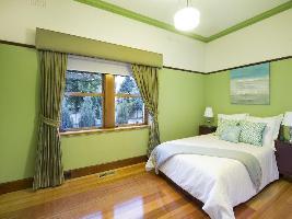 Bedroom 3-995.jpg