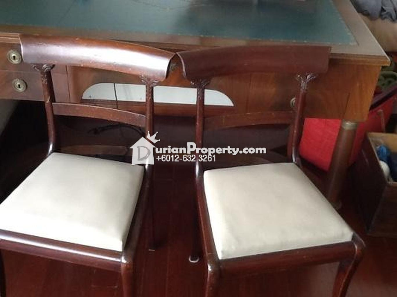 Beautiful antique Writting desk For Sale