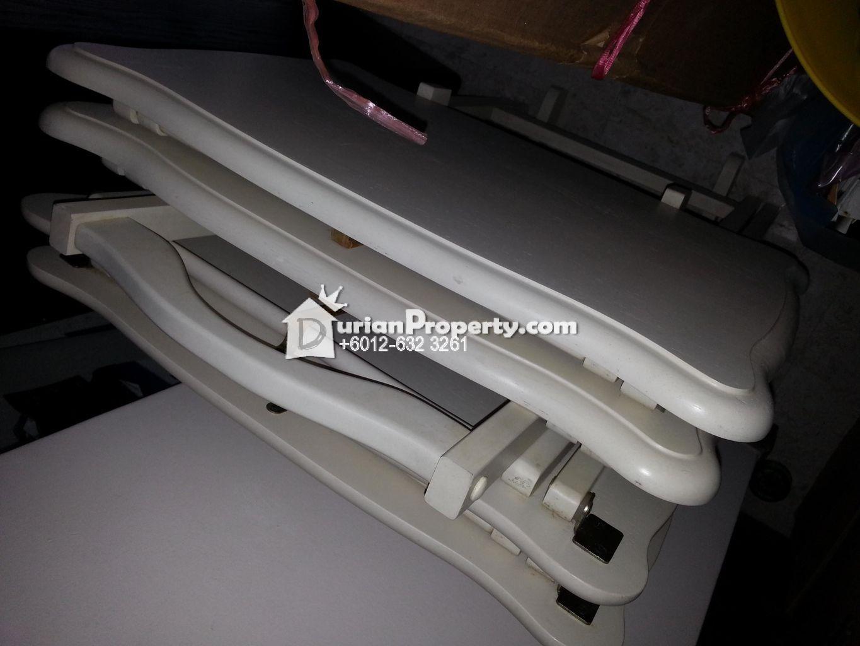 Foldable tables, compact size (4pcs) For Sale
