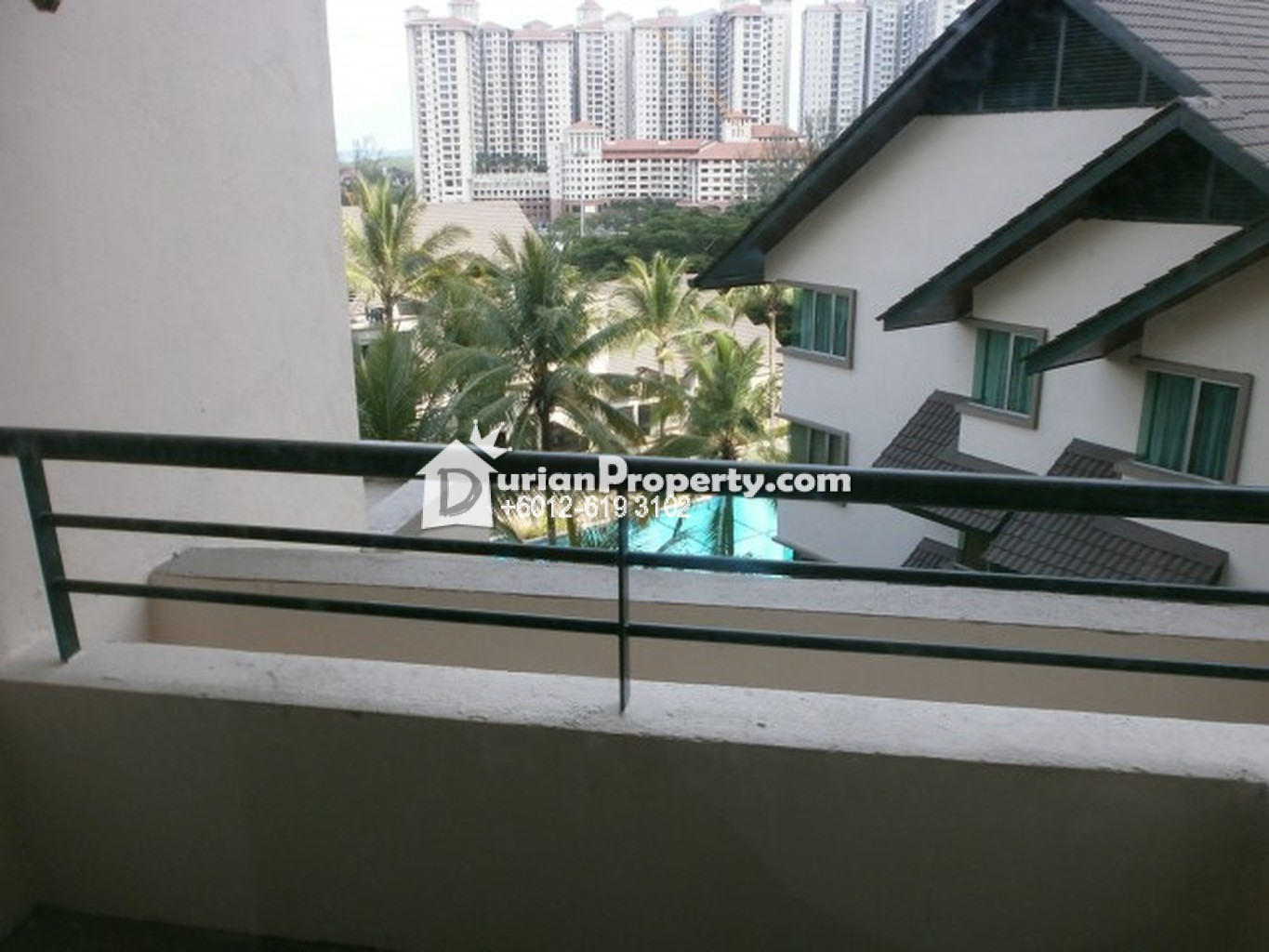 Riana Green Condo Room For Rent