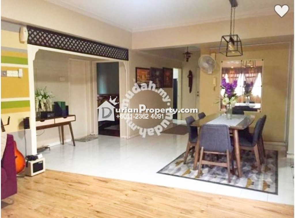 Room For Rent In Kelana Parkview Condo