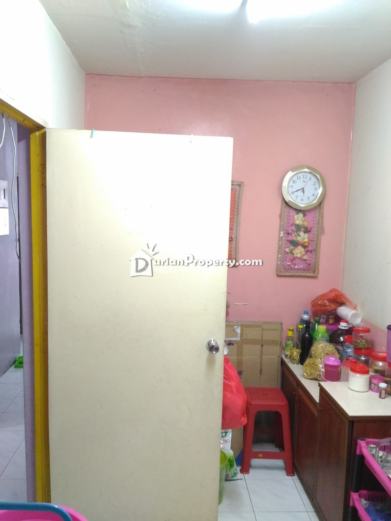 Apartment For Sale at Idaman Apartment, Damansara Damai