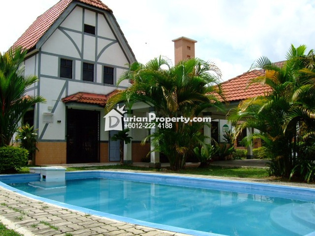 Bungalow house for sale at a 39 famosa resort alor gajah for for Bungalow house for sale