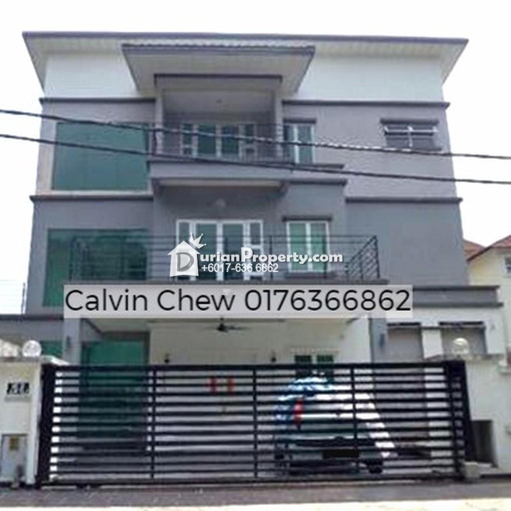 Bungalow House For Auction at Taman Templer Saujana, Rawang