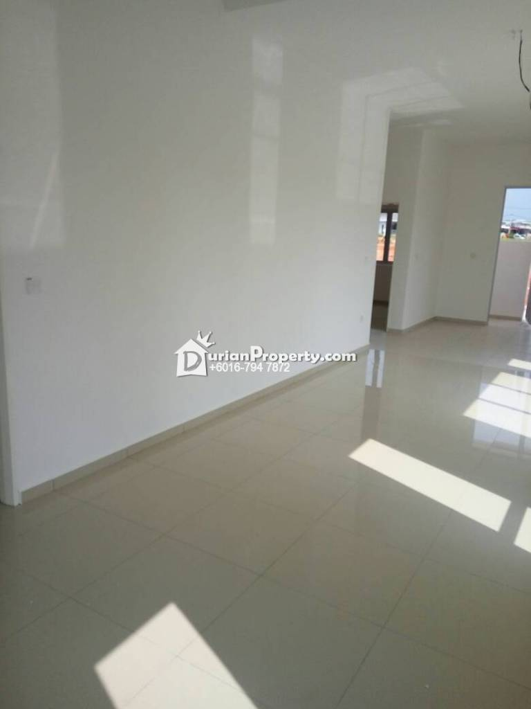 Terrace House For Sale at Kluang Baru, Kluang