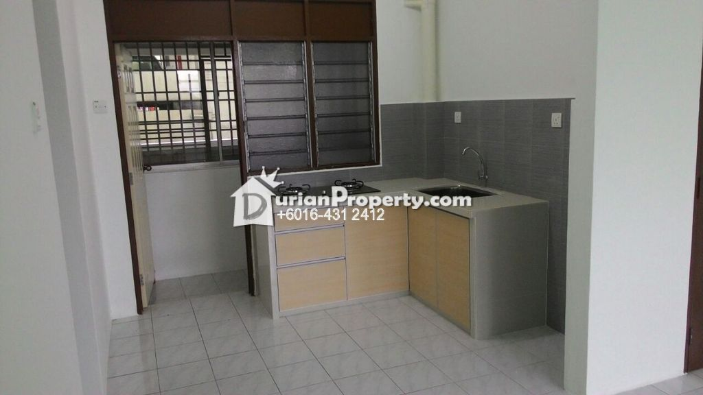 Apartment For Rent at Krystal Heights, Green Lane