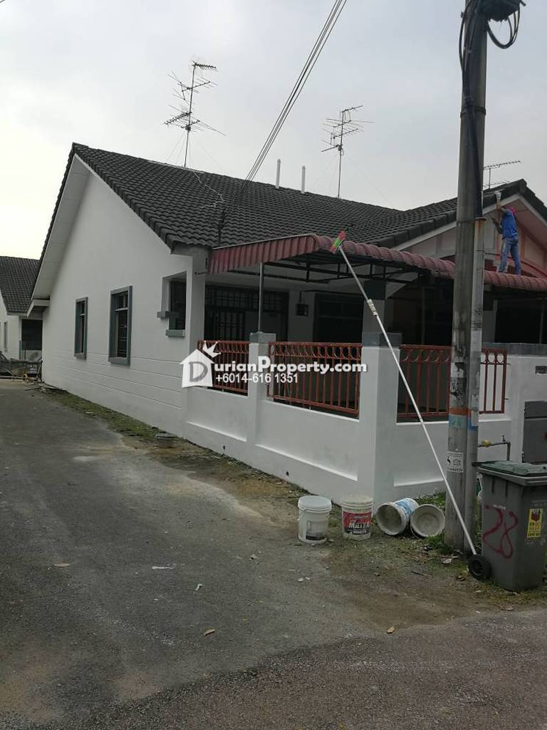 Terrace House For Sale at bukit indah, Bukit Indah