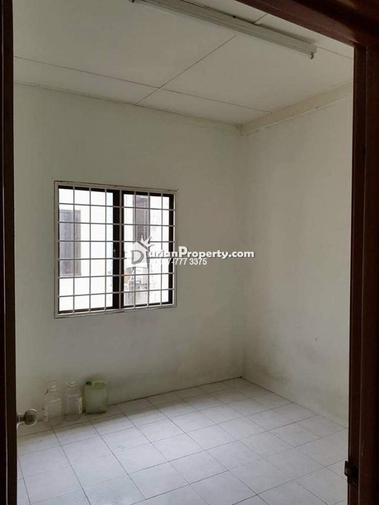 Ixora Apartment Room For Rent