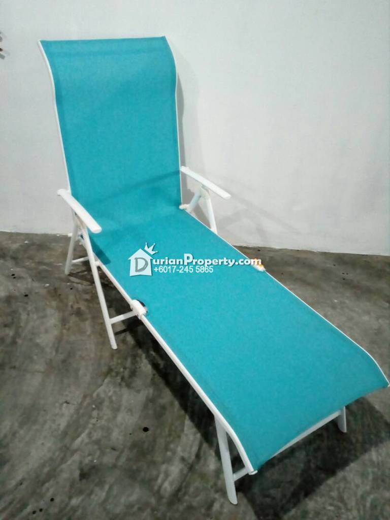 Net folding lounger For Sale