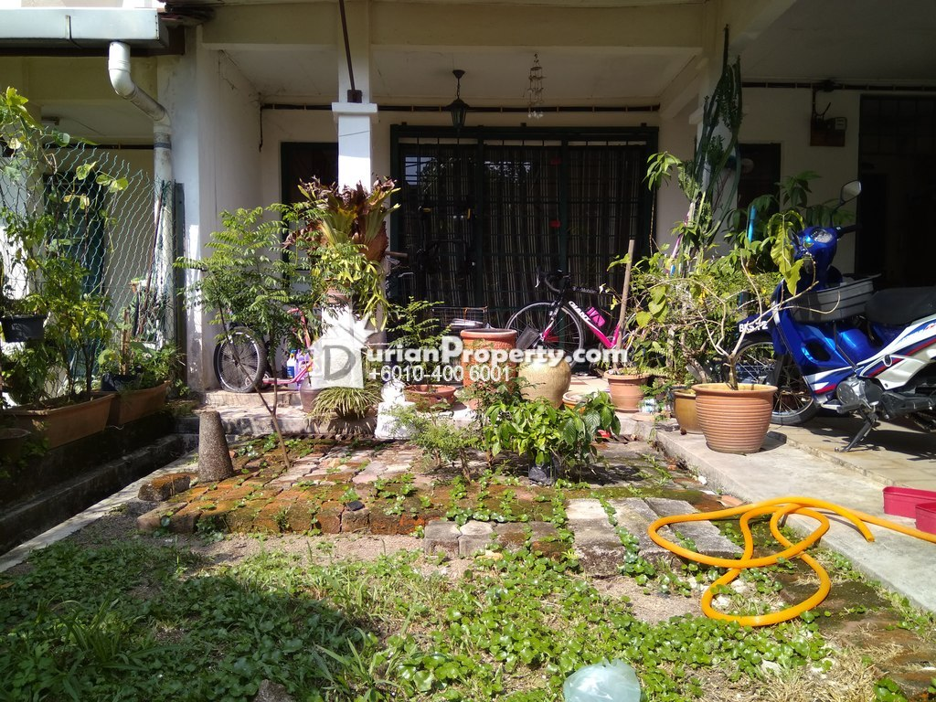 Terrace House For Sale at Section 9, Kota Damansara