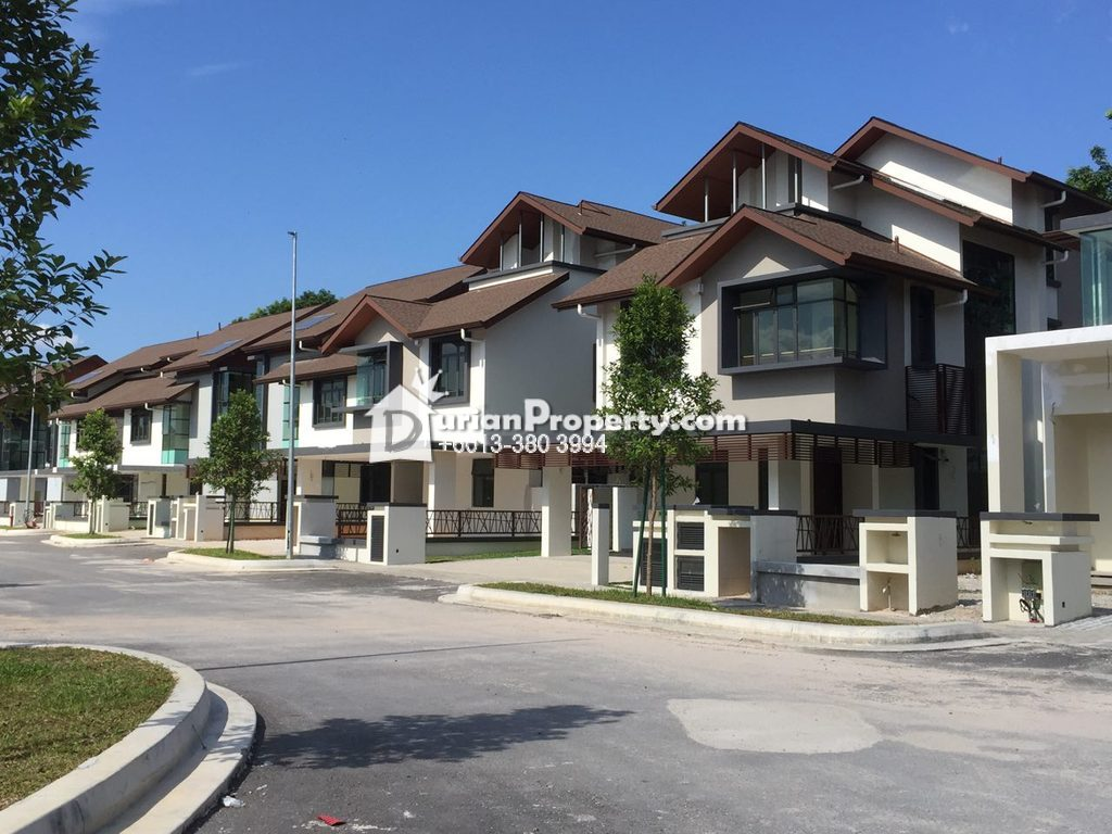 Bungalow House For Sale at Danau Suria, Precinct 16