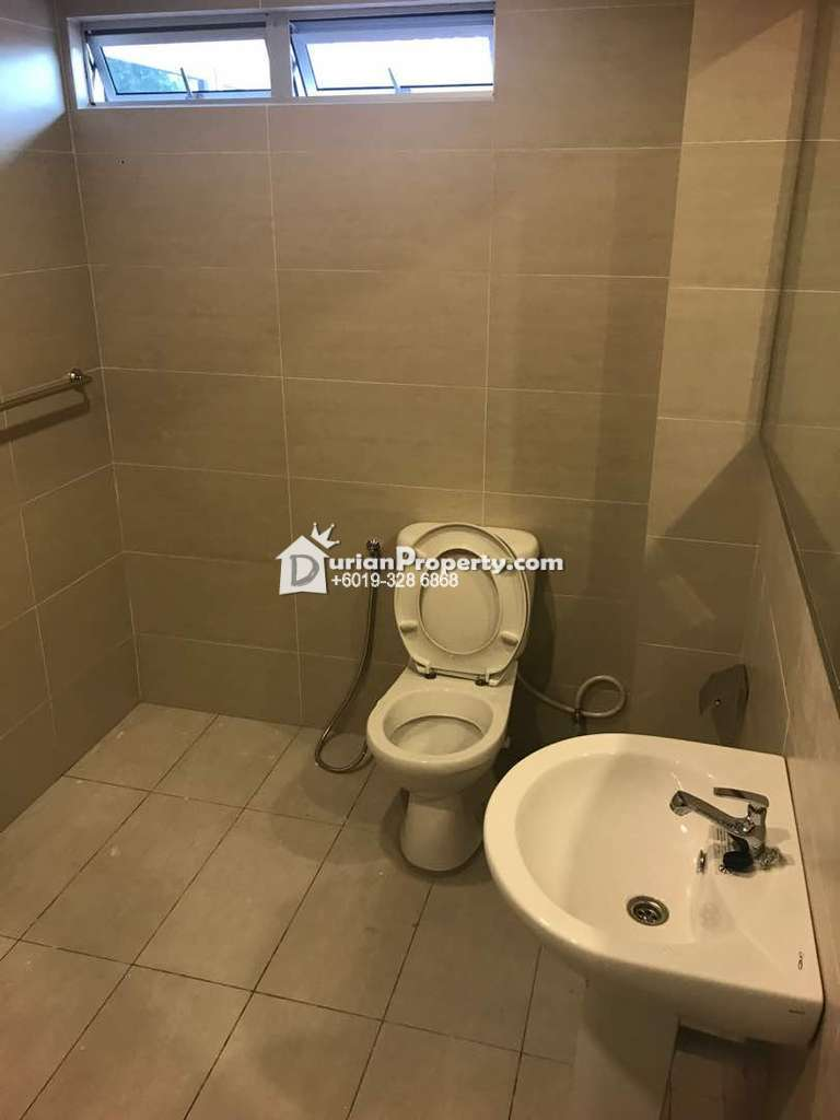Bungalow House Room for Rent at Section 19, Petaling Jaya