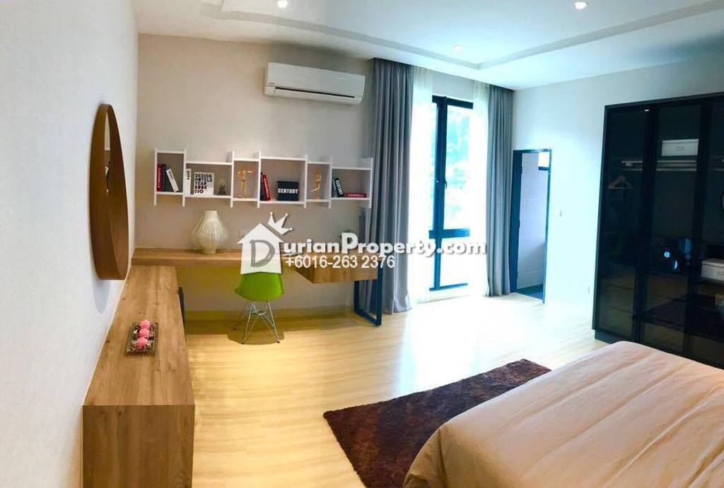 Bungalow House For Sale at Seksyen U10, Shah Alam