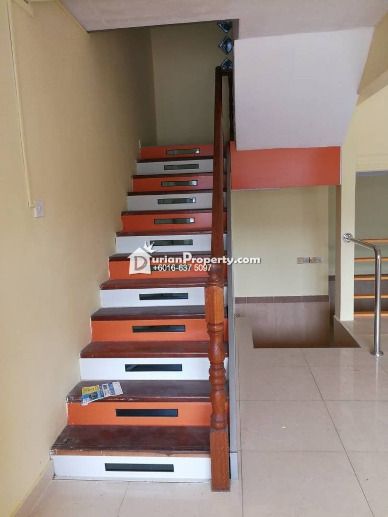 Terrace House For Sale at Taman Bukit Serdang, Seri Kembangan