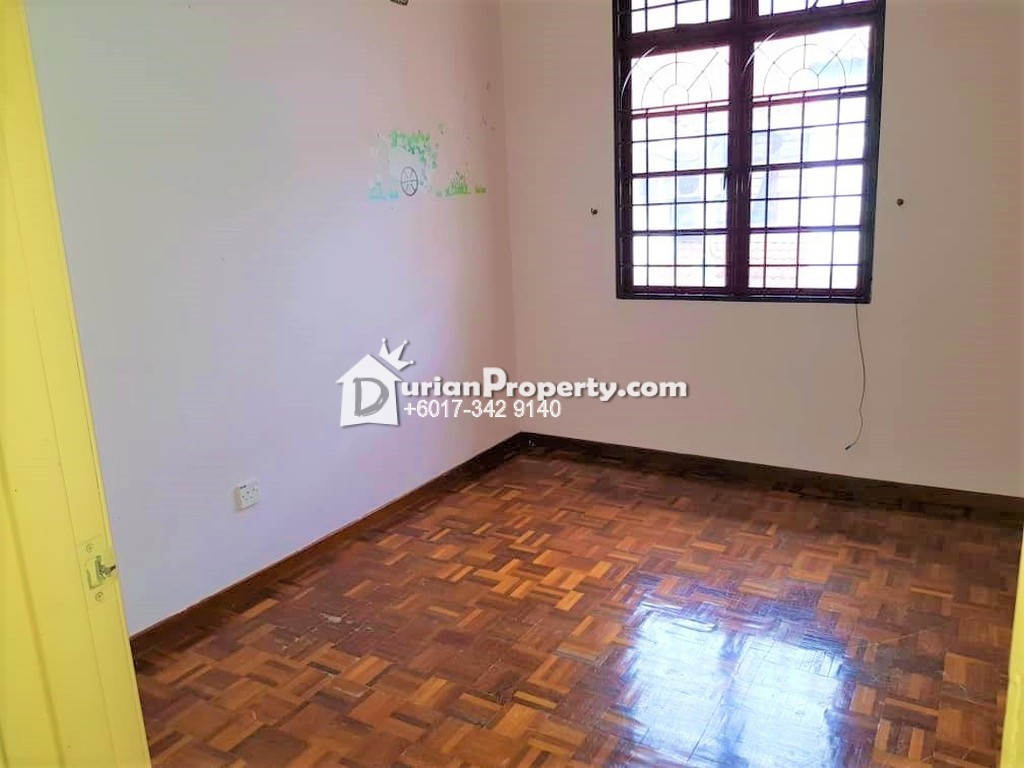Terrace House For Rent at Section 5, Kota Damansara