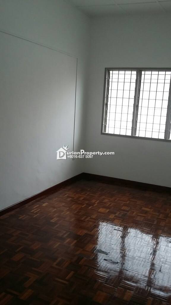 Terrace House For Sale at Taman Klang Utama, Klang