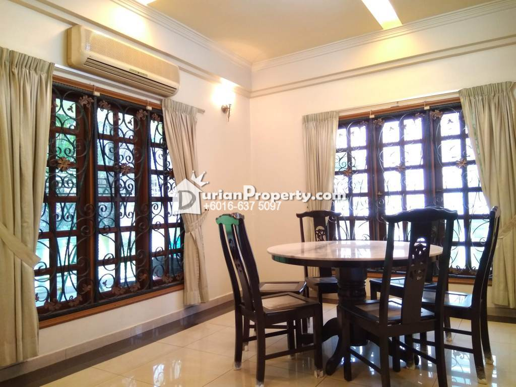 Bungalow House For Sale at Section 26, Shah Alam