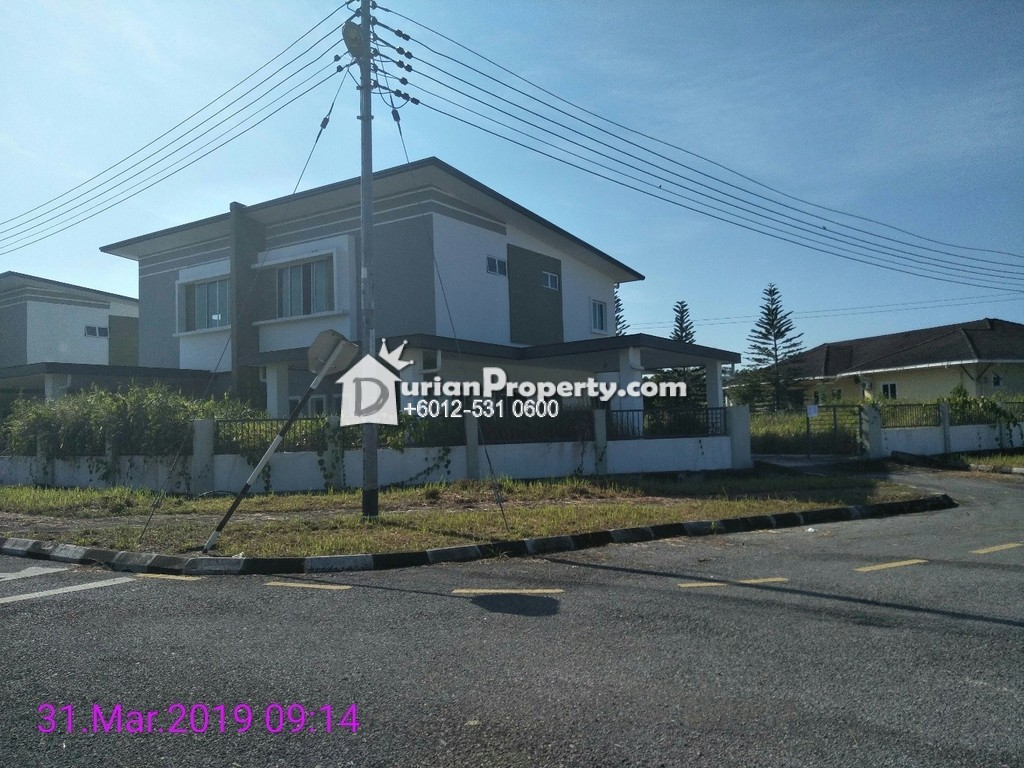 Link Bungalow For Auction at Muara Tuang, Kota Samarahan