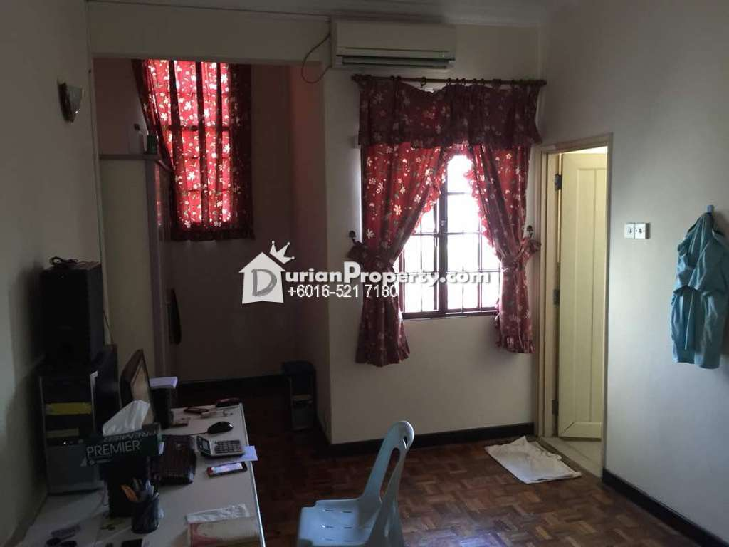 Terrace House For Sale at USJ 9, USJ