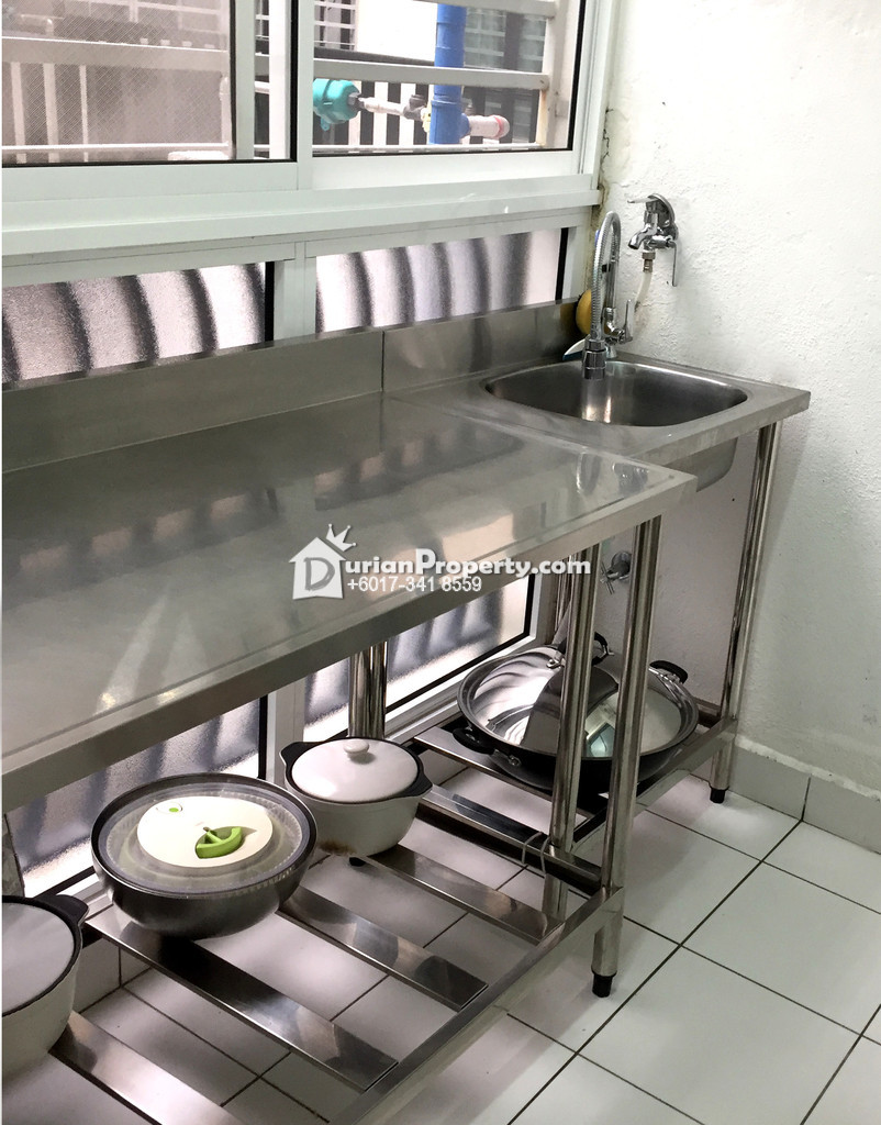 Outsiee kitchen table and table sink with tab For Sale