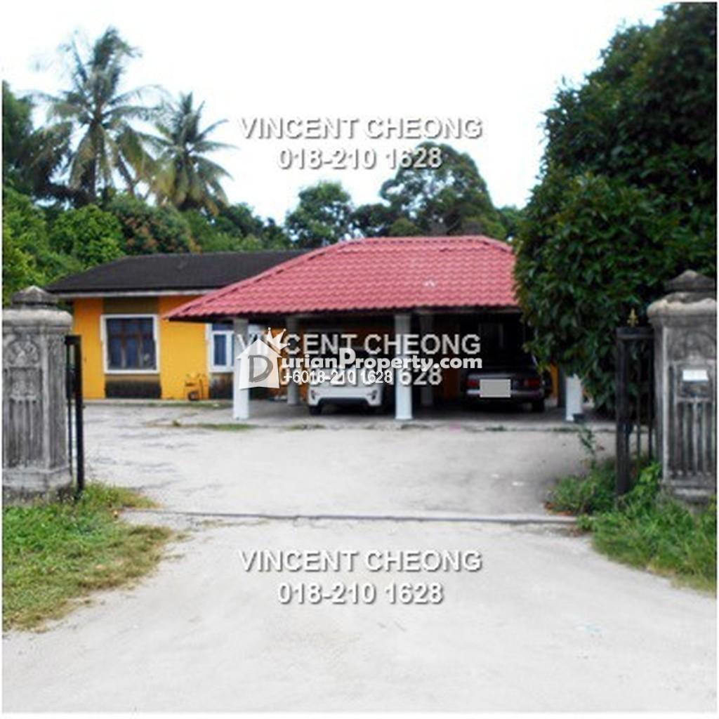 Bungalow House For Sale at Kampung Raja, Terengganu