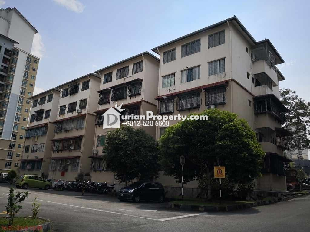 Apartment For Auction at Taman Bukit Serdang, Seri Kembangan