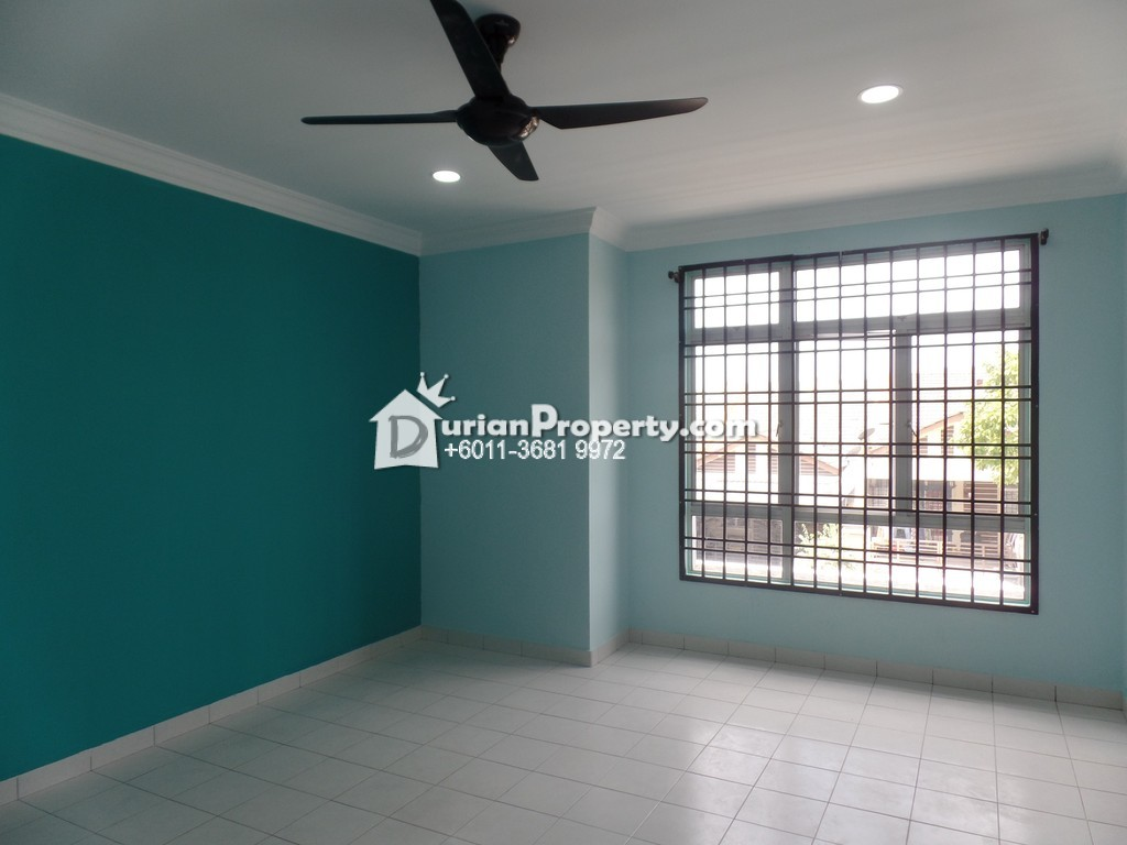 Terrace House For Sale at Taman Sierra Perdana, Masai
