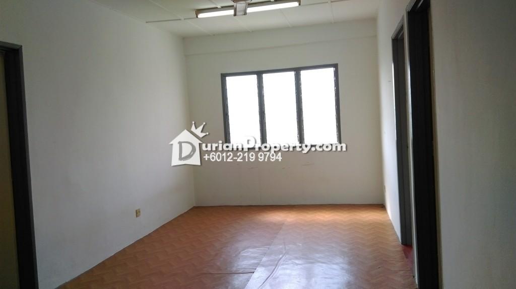 Apartment For Rent at Pangsapuri Seri Damai, Saujana Puchong