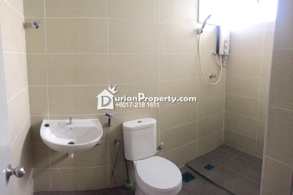 Condo For Rent at University Tower, Section 11