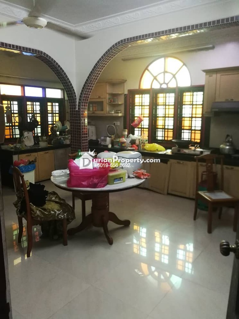 Bungalow House For Sale at Pangsapuri Taman Desa Batu Caves, Batu Caves