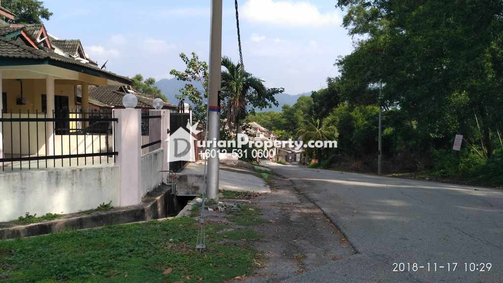 Terrace House For Auction at Lumut, Perak