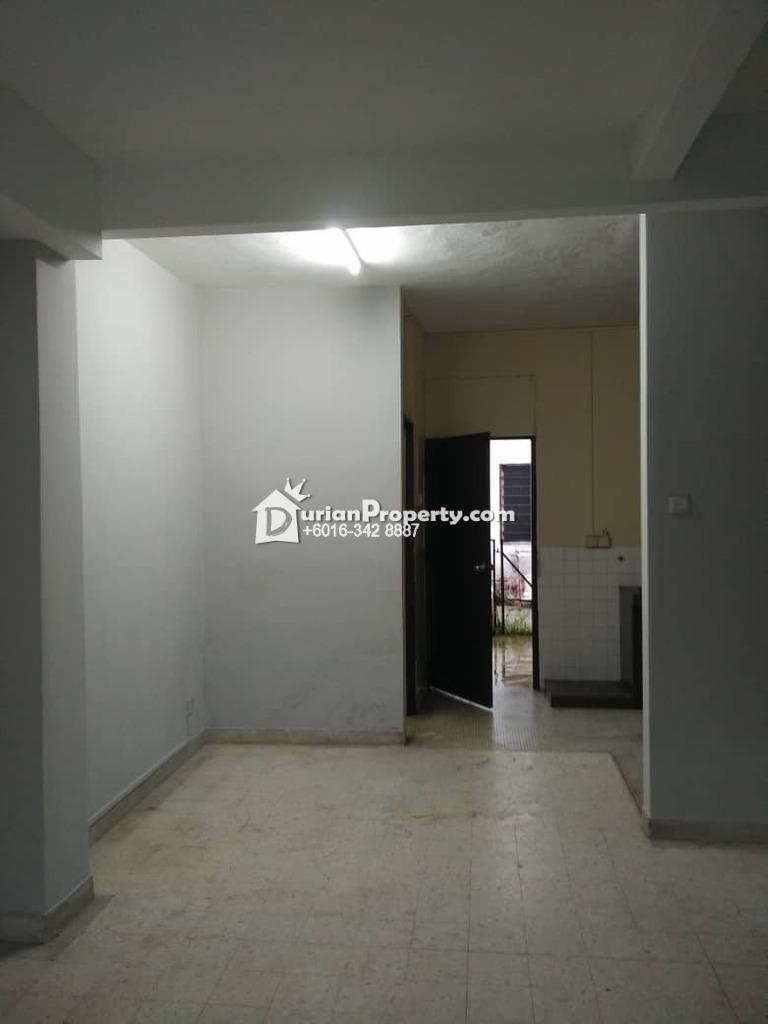 Terrace House For Rent at Taman Universiti Indah, Seri Kembangan