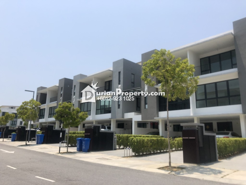Townhouse For Sale at Cahaya SPK, Shah Alam