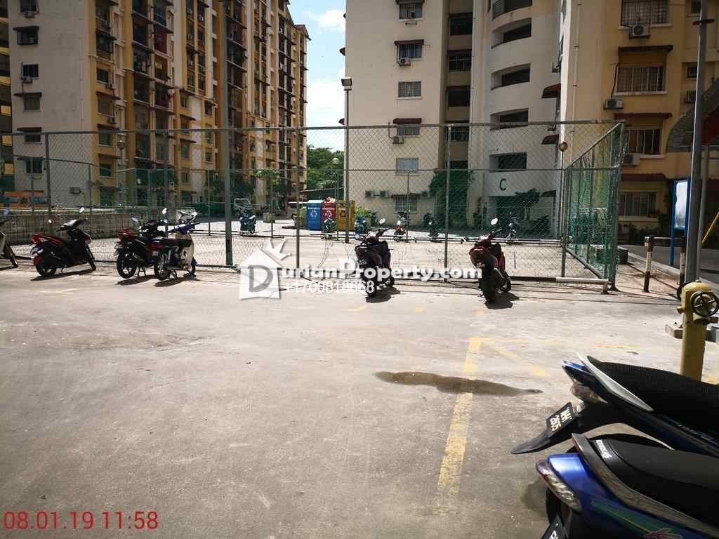 Apartment For Auction at Vista Lavender, Bandar Kinrara