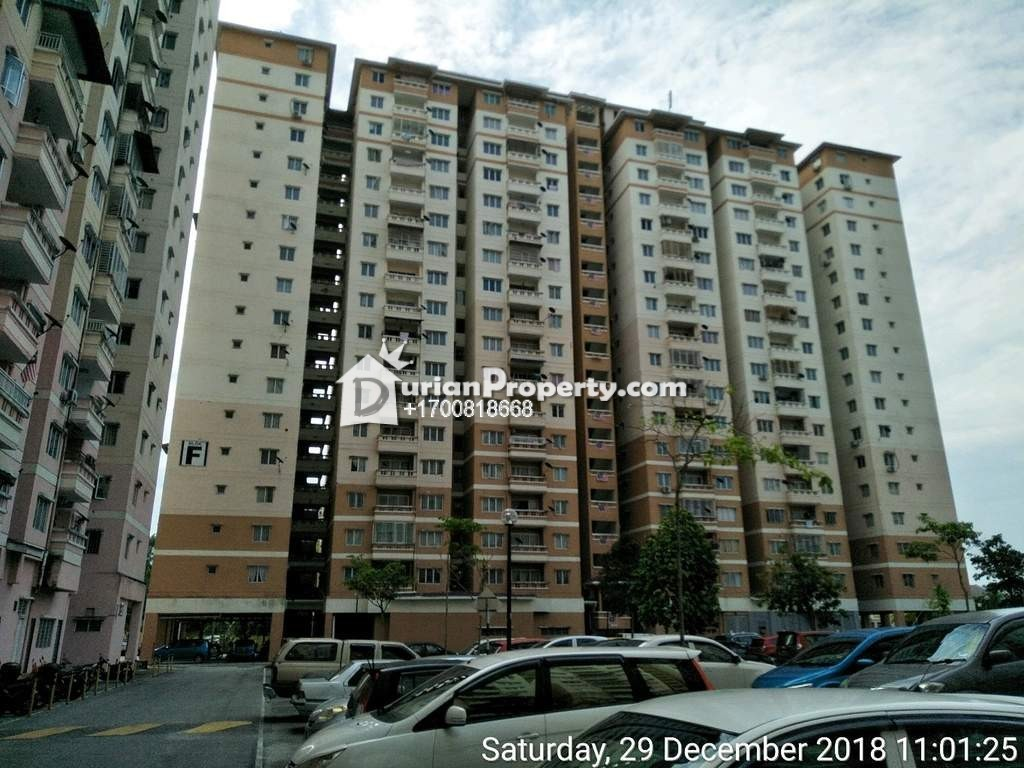 Apartment For Auction at Laguna Biru, Rawang