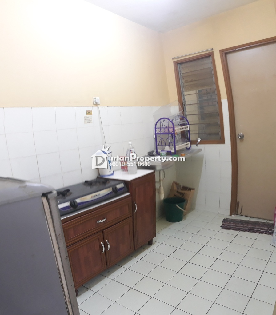 Shop Apartment For Sale at Pusat Komersial, Section 7