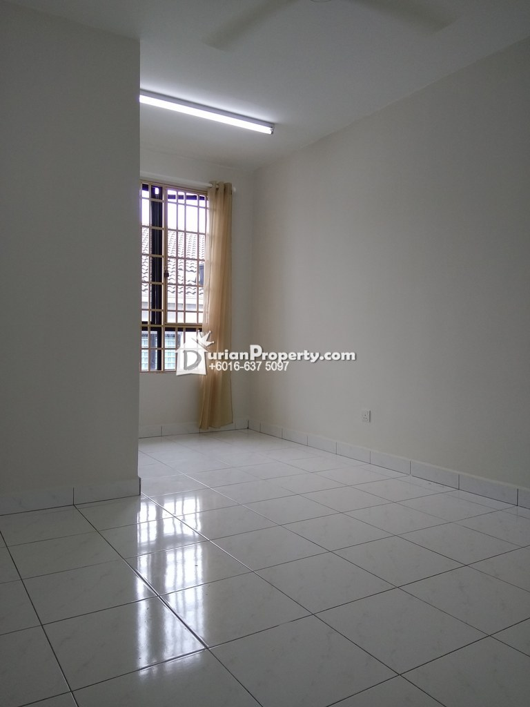Terrace House For Rent at Semenyih Parklands, Semenyih