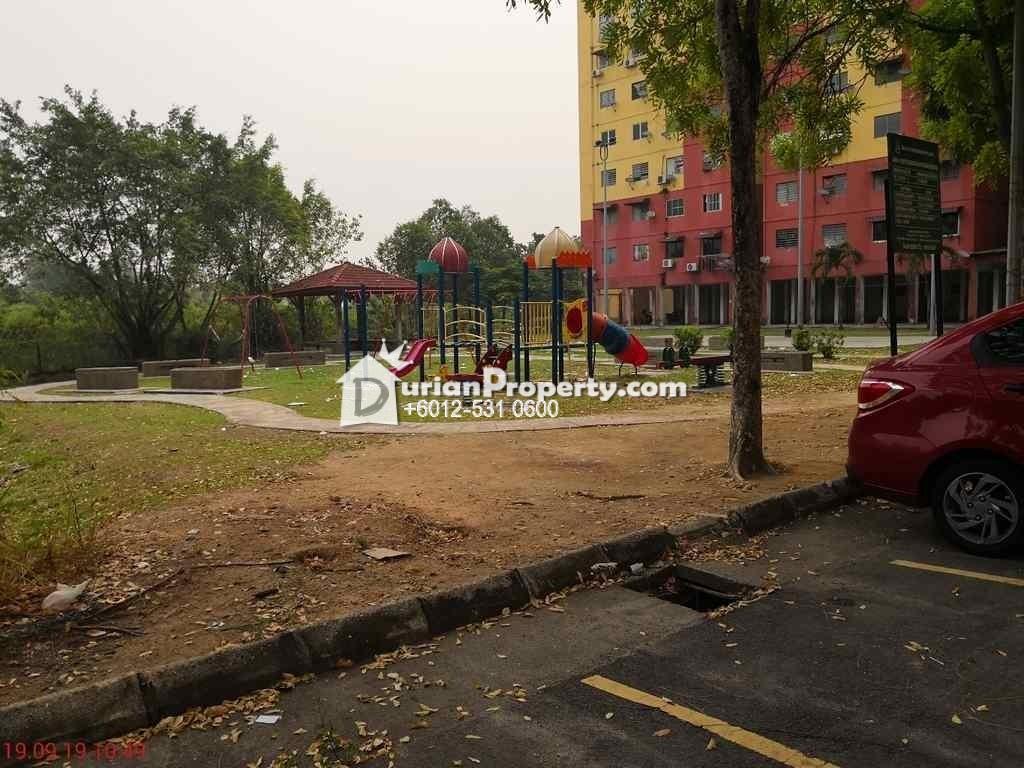 Apartment For Auction at Pangsapuri Pendamar B, Taman Kota Pendamar