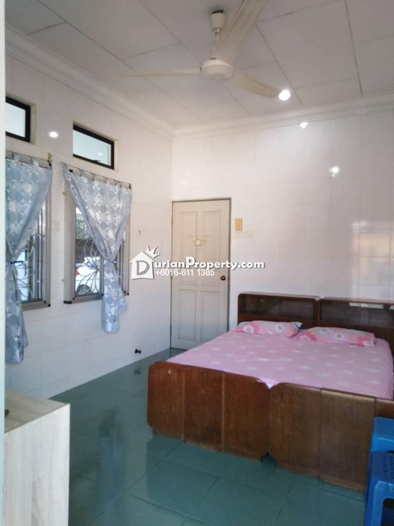 Bungalow House For Rent at Taman Bukit Senjuang, Melaka