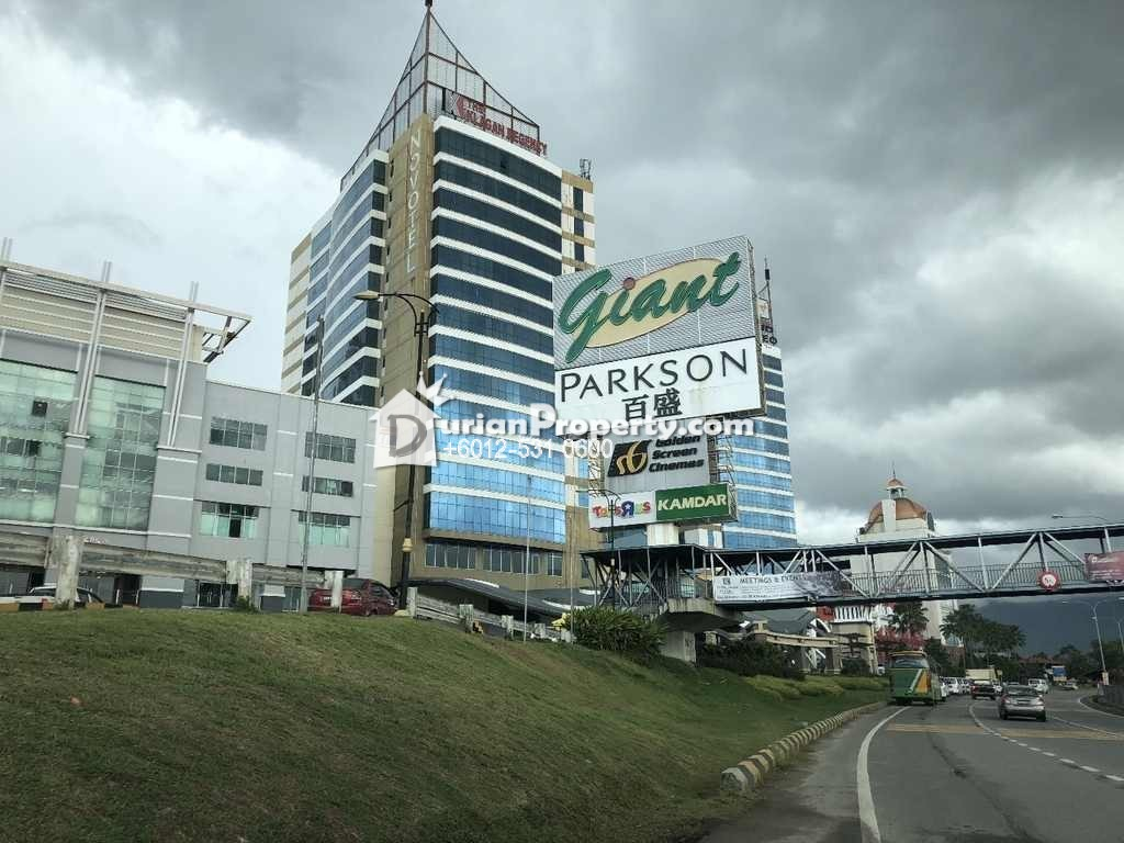 Shop For Auction at 1 Borneo, Kota Kinabalu