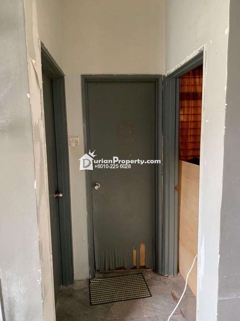 Apartment For Sale at Kenanga Apartment, Pusat Bandar Puchong