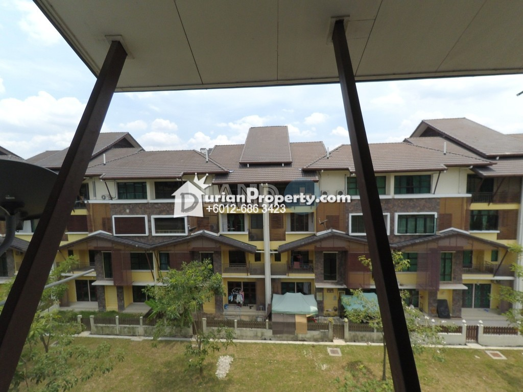 Townhouse For Sale at Lake Valley, Bandar Tun Hussein Onn