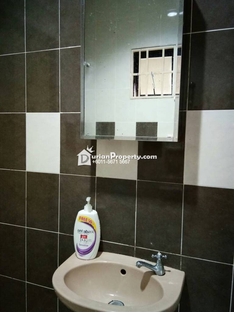 Terrace House For Rent at USJ 13, USJ