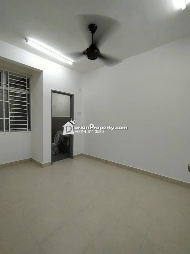 Townhouse For Rent at Taman Setia Indah, Tebrau