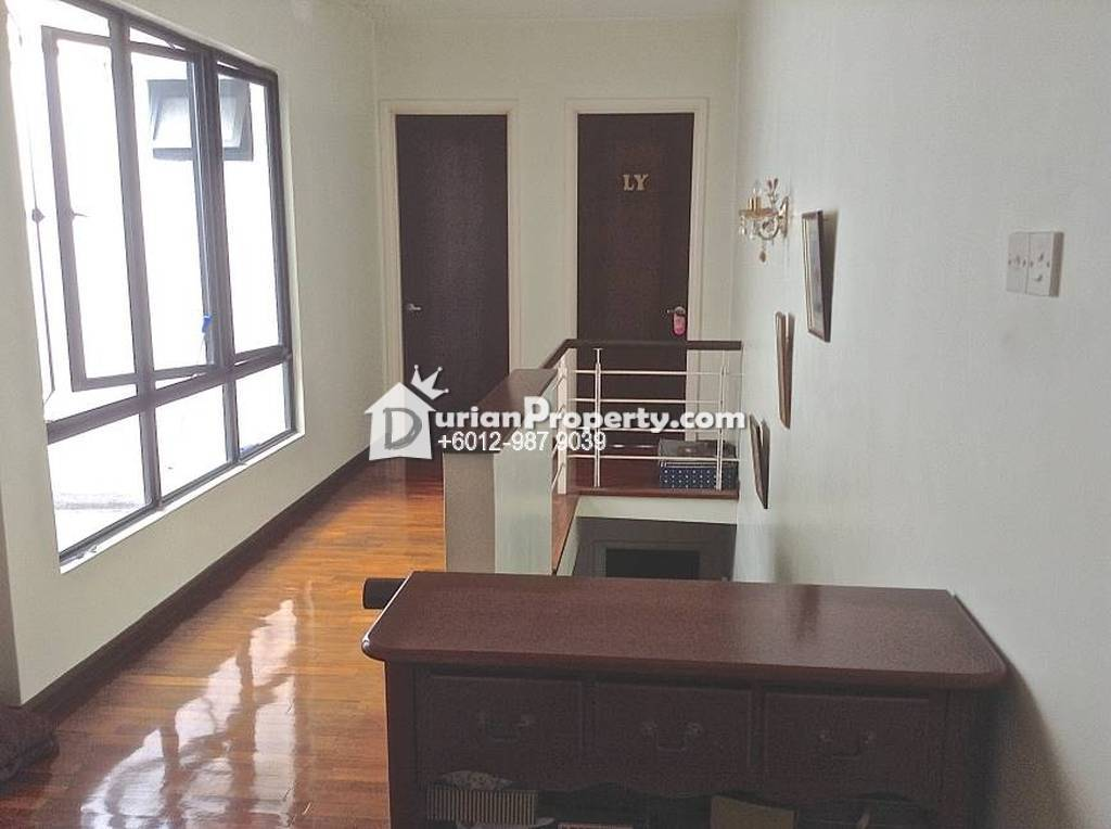 Terrace House For Sale at Lake Edge, Puchong