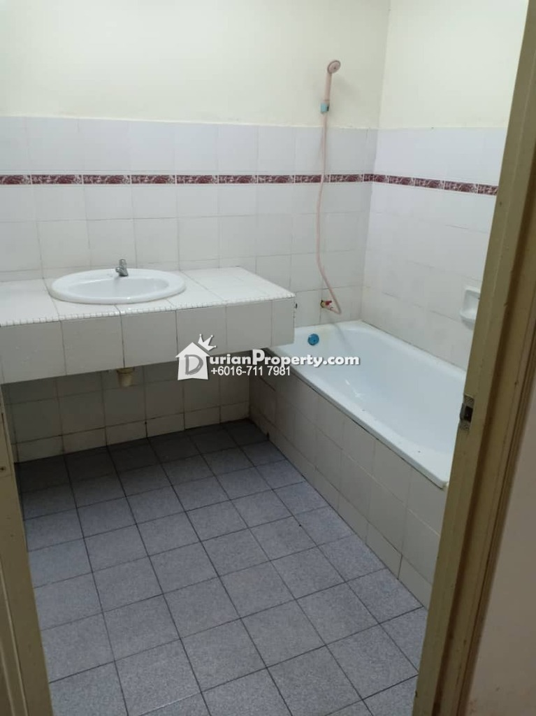 Apartment For Sale at Seri Mutiara Apartments, Bandar Seri Alam