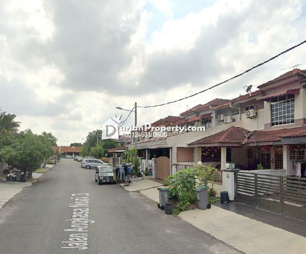 Terrace House For Auction at Taman Angkasa Nuri, Batu Berendam