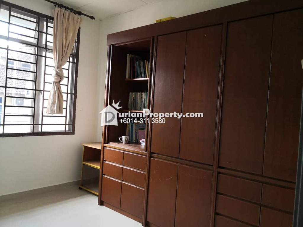 Terrace House For Rent at Taman Ehsan Jaya, Tebrau