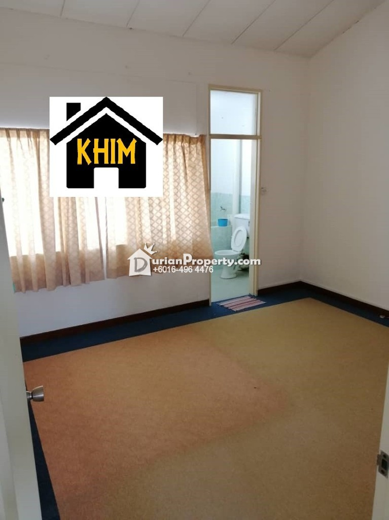 Terrace House For Rent at Island Glades, Green Lane